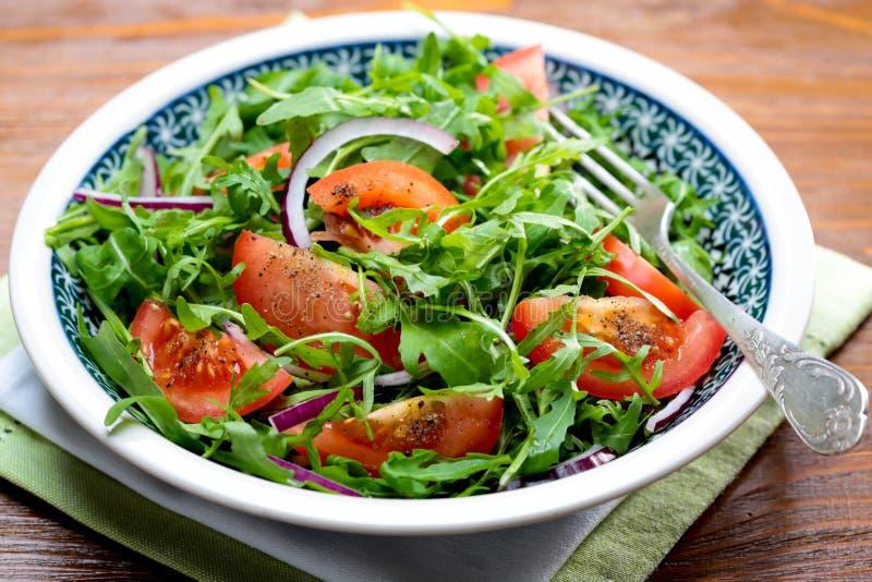 Download Arugulasalat stockbild. Bild von grün, gesund, tomate - 27731017