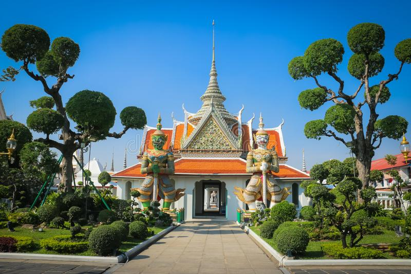 Arun de Wat, Temple of Dawn, templo famoso de la señal de Bangkok fotografía de archivo