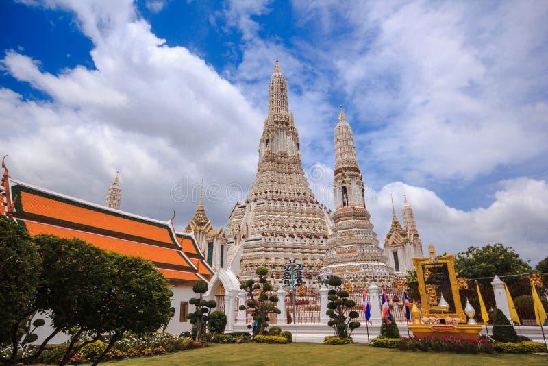 Arunratchawararam-Tempel ist ein wichtiges und ein alt lizenzfreie stockfotografie