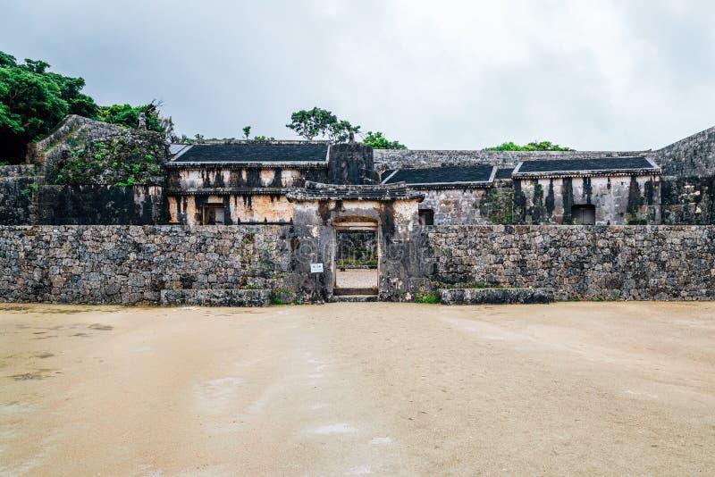 Arv för värld för Tamaudun kungligt mausoleumUNESCO i Okinawa, Japan royaltyfri fotografi