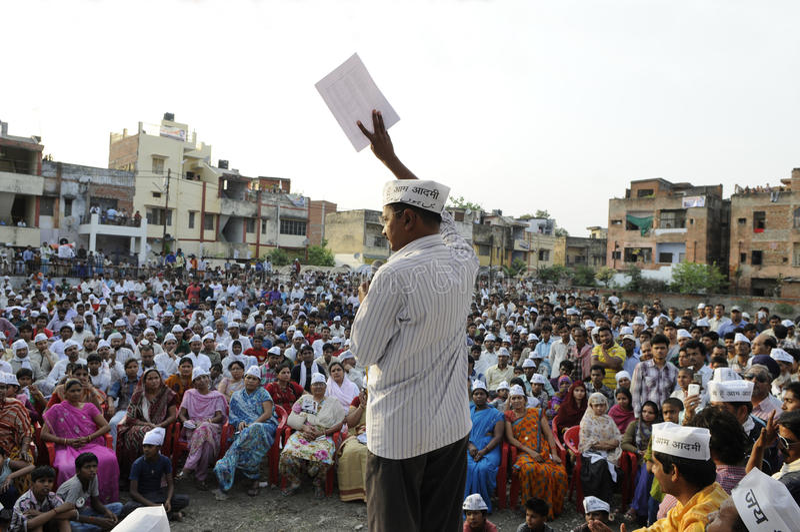 Arvind Kejriwal говоря в ралли избрания стоковое изображение
