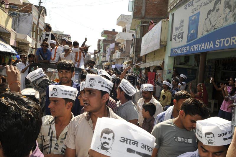 Arvind Kejriwal que hace campaña para el Dr. Kumar Vishwas imágenes de archivo libres de regalías