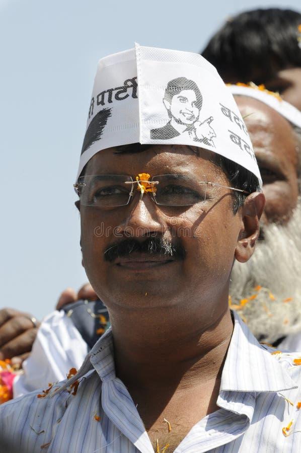 Arvind Kejriwal que hace campaña para el Dr. Kumar Vishwas fotos de archivo