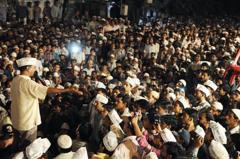 Arvind Kejriwal tijdens een Nukkad Sabha royalty-vrije stock foto
