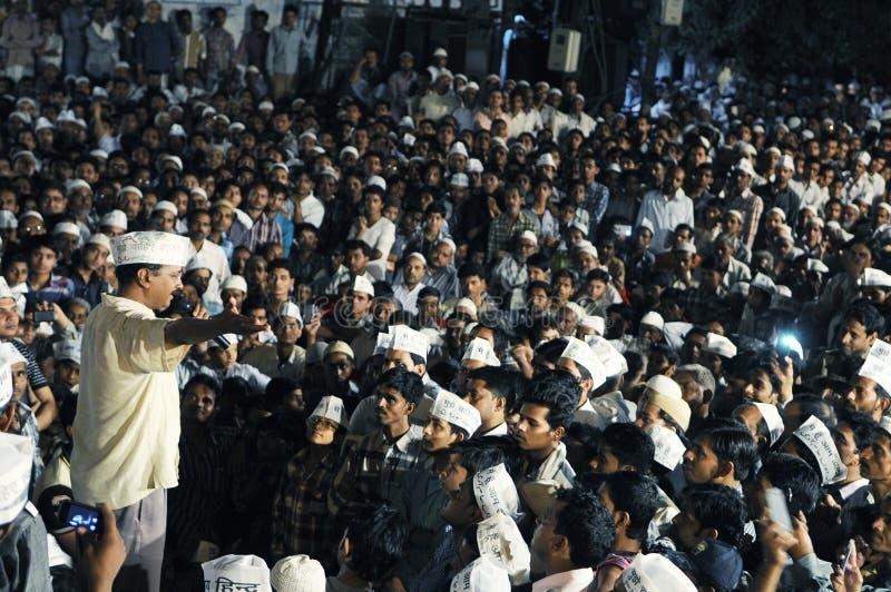 Arvind Kejriwal tijdens een Nukkad Sabha royalty-vrije stock afbeelding