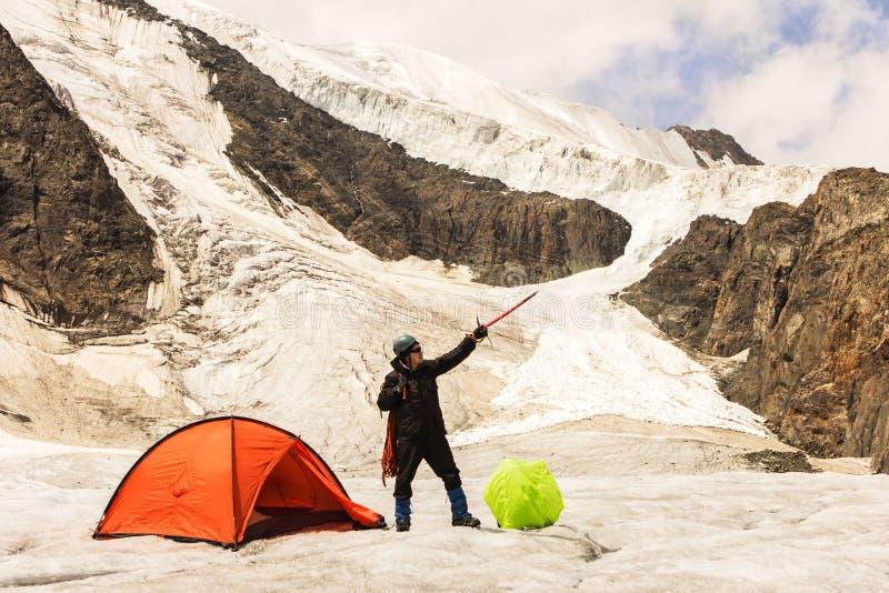Arywistów koszty na lodowu blisko namiotu zdjęcia royalty free