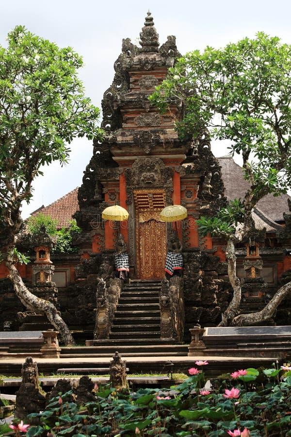 Pura Taman Saraswati Tample em Ubud, Bali, Indonésia fotografia de stock royalty free