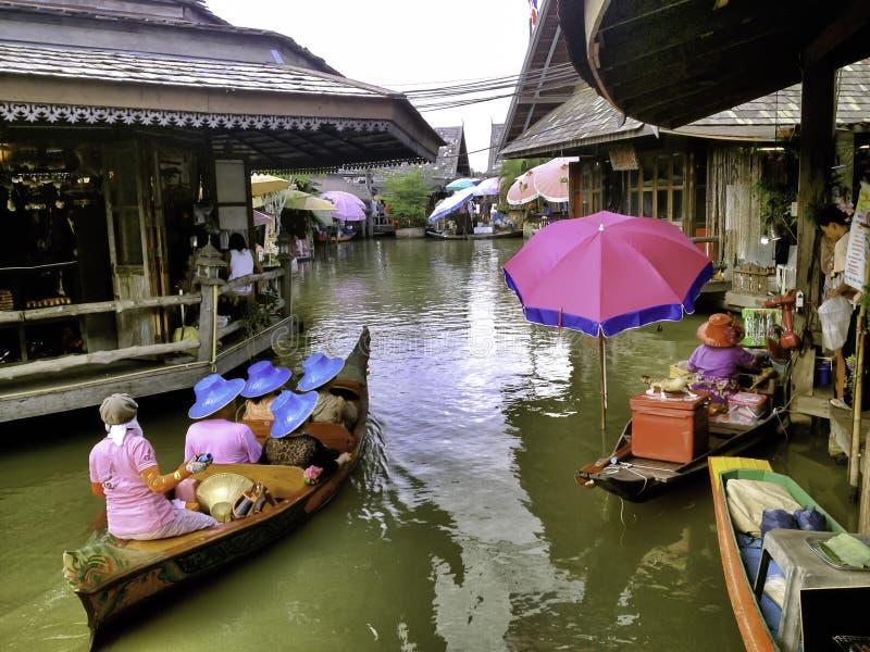 As 4 regiões do Pattaya que flutuam o mercado fotos de stock royalty free