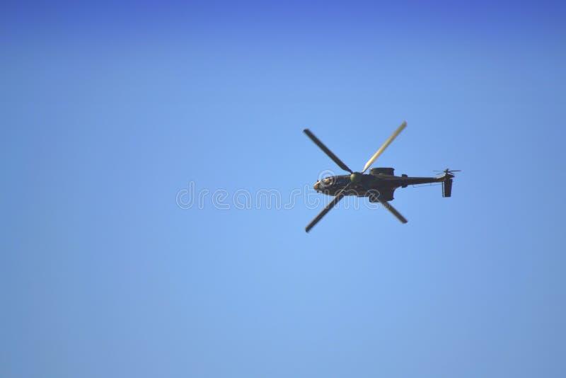 AS-532 AL Cougar Fliege seitlich stockfotos
