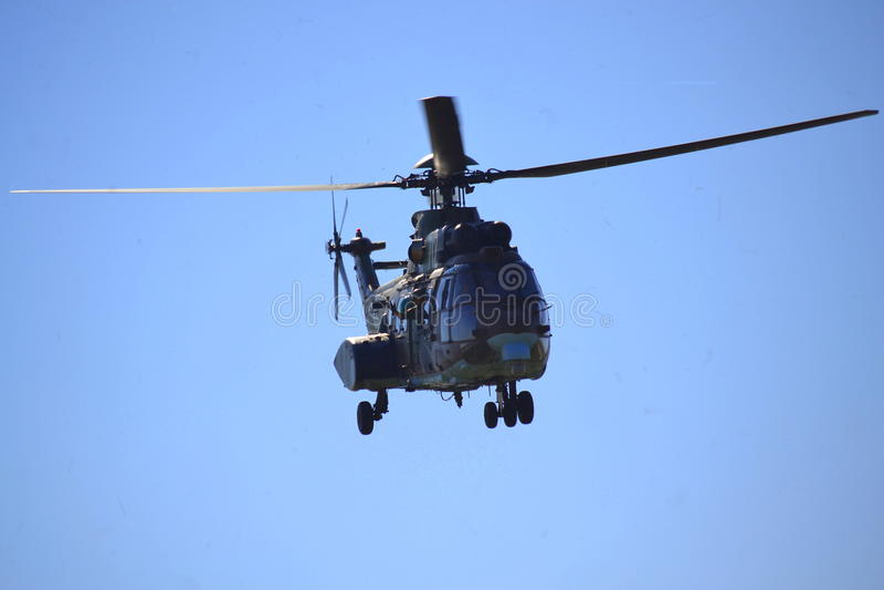 AS-532 AL Cougar Kommando grüßt Publikum stockfotos