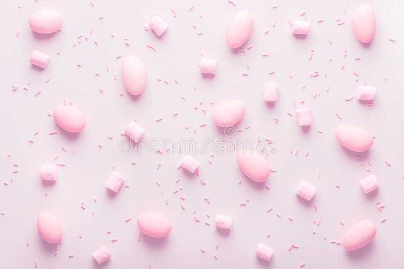 As amêndoas adoçadas doces, marshmallow e polvilham para o casamento, p fotografia de stock