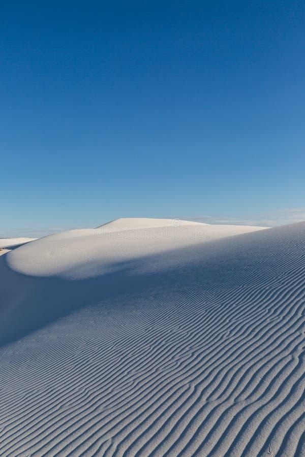 As areias brancas abandonam a vista imagens de stock royalty free