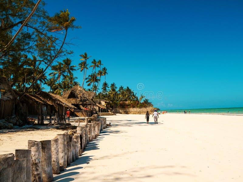 As areias brancas de Uroa encalham, baía de Uroa, Zanzibar, Tanzânia imagens de stock royalty free