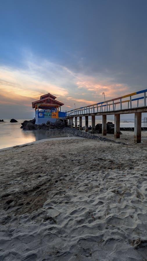 As areias da praia de Bulakan fotos de stock