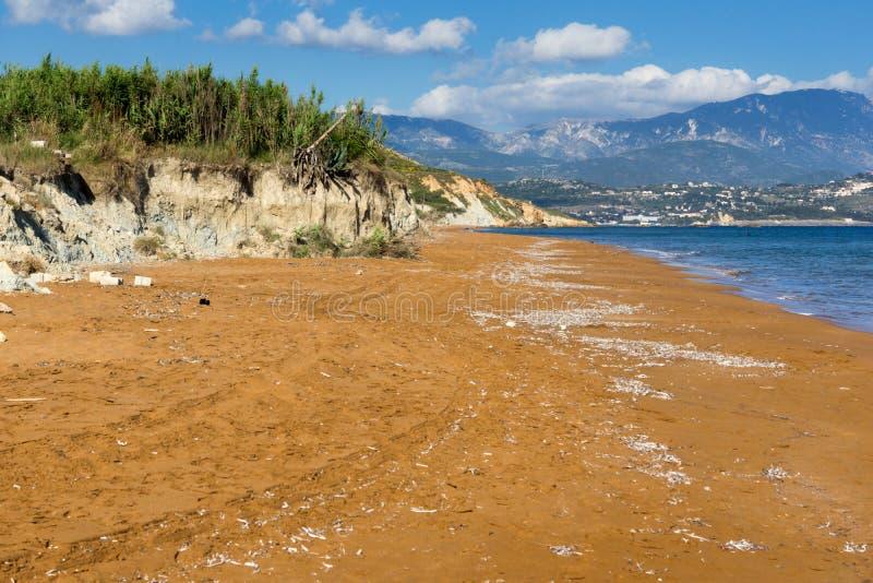 As areias vermelhas do xsi encalham, Kefalonia, ilhas Ionian, Grécia foto de stock royalty free