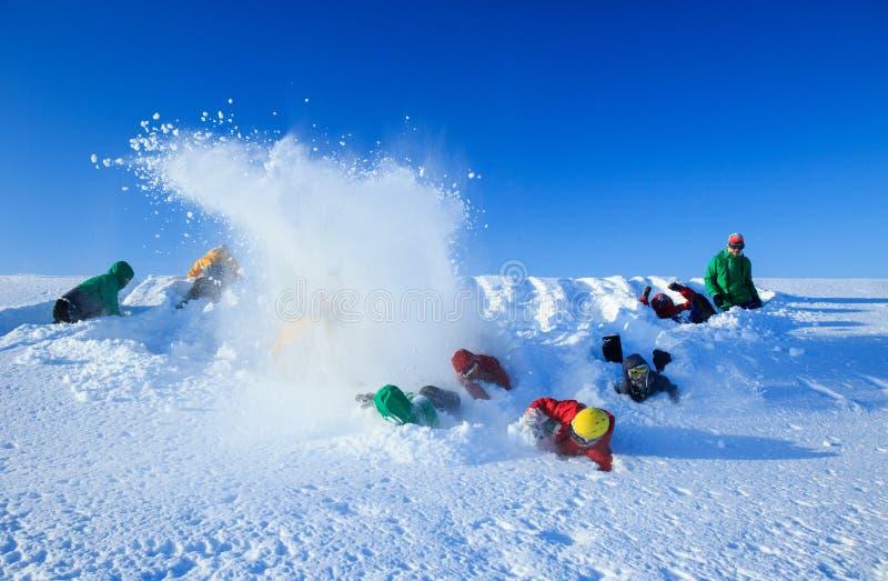As aventuras árticas da expedição norte do russo tropeçam o acampamento para a exploração, a neve ativa dos esportes do inverno q fotos de stock
