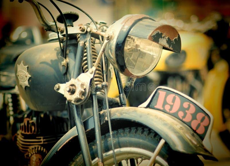 As bicicletas impressionantes no carro e na bicicleta feitos sob encomenda mostram Pattaya fotografia de stock royalty free