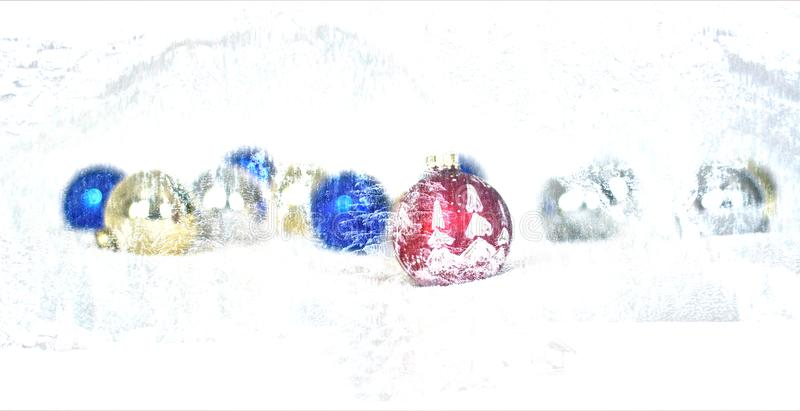 As bolas do Natal estão indo ser cobertas na neve ilustração stock