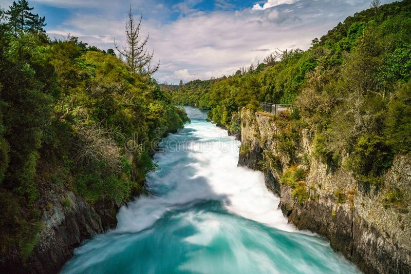 As cachoeiras poderosas selvagens, huka caem, Nova Zelândia 1 fotos de stock royalty free