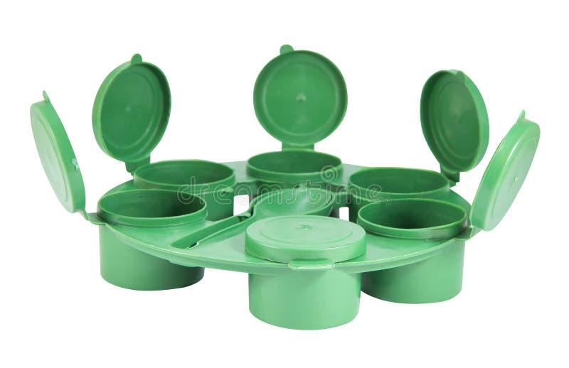 As caixas comum plásticas verdes ajustaram-se com trajeto de grampeamento imagens de stock royalty free