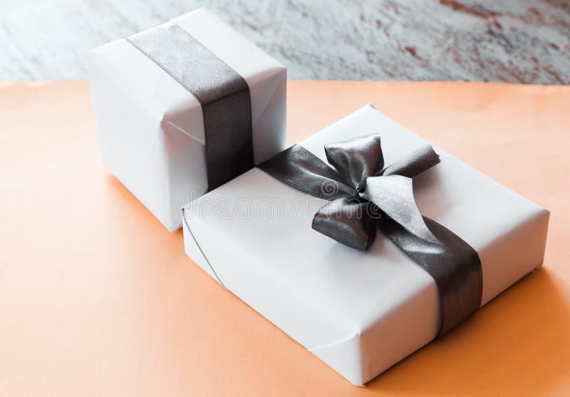As caixas de presente bonitos fecham-se acima fotografia de stock royalty free