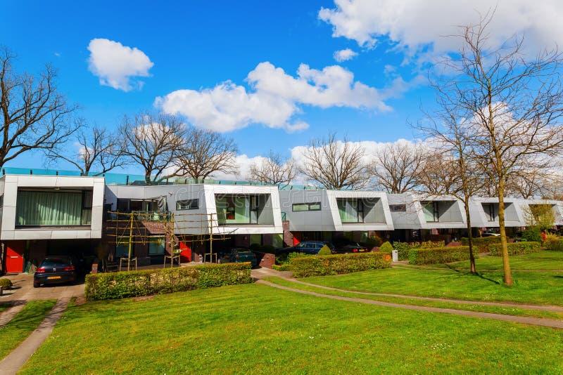 As casas da barreira sadia chamaram os Cyclops em Hilversum, Países Baixos fotografia de stock