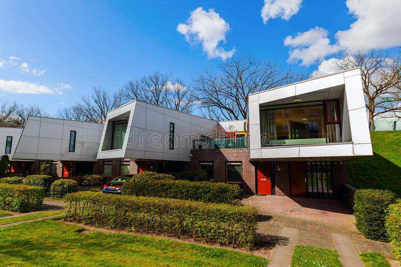As casas da barreira sadia chamaram os Cyclops em Hilversum, Países Baixos foto de stock