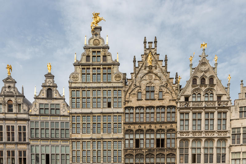 As casas medievais em Grote Markt esquadram em Antuérpia, Bélgica fotografia de stock royalty free