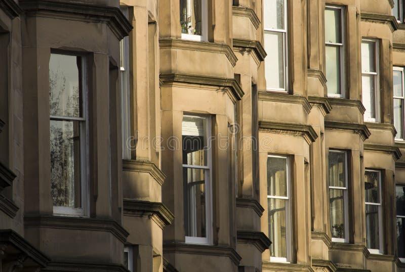 As casas vitorianos da colônia fizeram do arenito em Edimburgo, Escócia fotos de stock