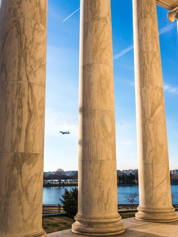 As colunas do memorial imagem de stock