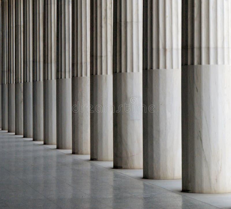 As colunas do Stoa de Attalos imagem de stock royalty free