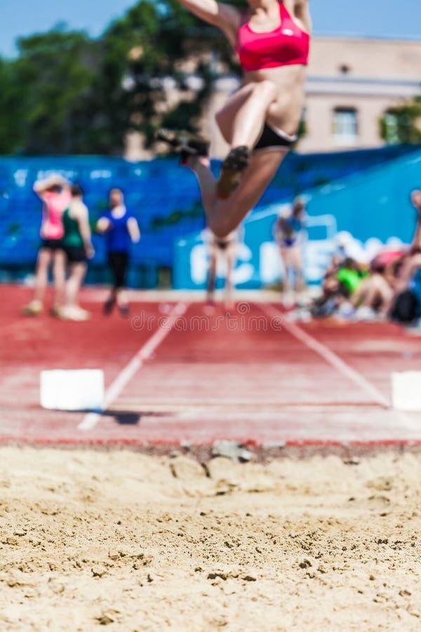 As competições das mulheres no atletismo fotos de stock royalty free