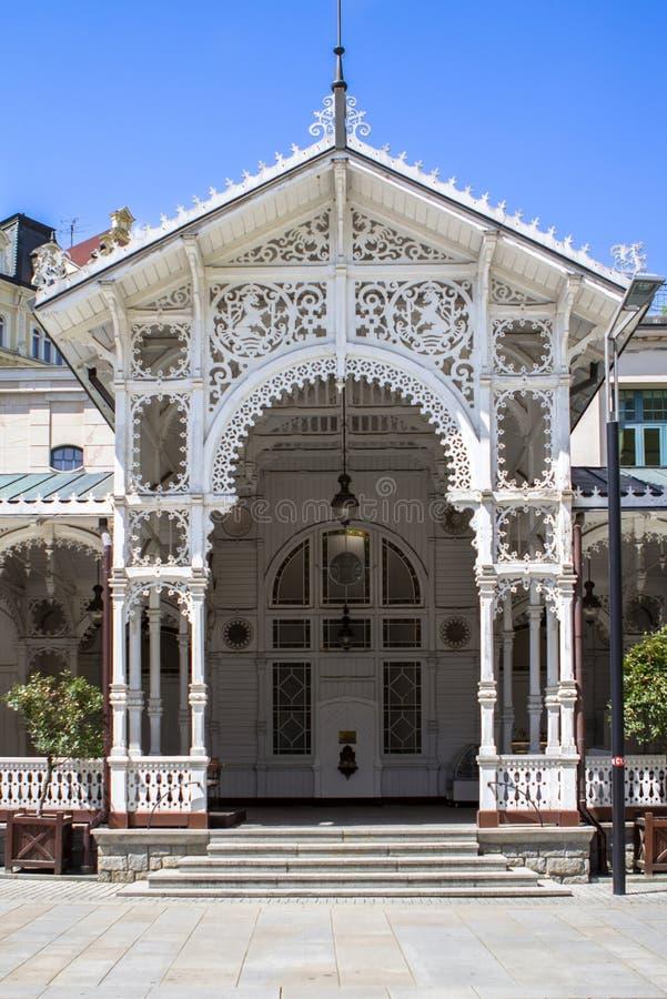 As construções bonitas de Karlovy variam, República Checa fotografia de stock royalty free
