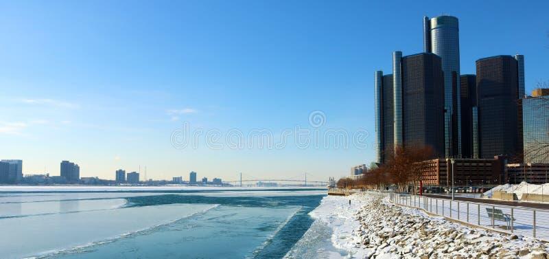 As construções as mais altas da cidade do motor da skyline de Detroit em Michigan fotos de stock