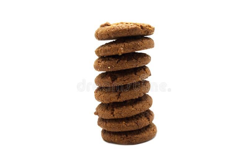 As cookies e os biscoitos empilham do sabor da manteiga dos pedaços de chocolate imagens de stock royalty free