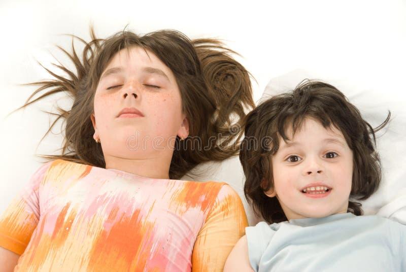 Download As crianças de sono foto de stock. Imagem de irmão, sonhos - 10059422