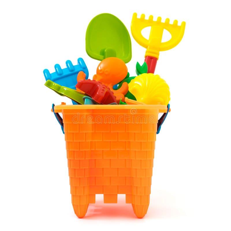 as crian?as encalham os brinquedos isolados no branco imagem de stock royalty free