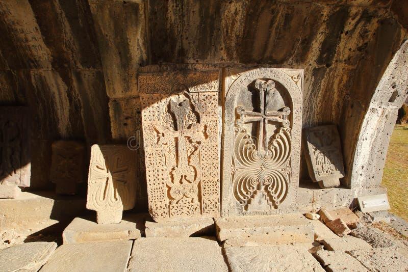 As cruz-pedras dos khachkars no monastério de Haghpat, Armênia fotos de stock