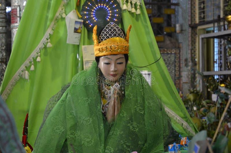 As deusas sussurraram Yangon Myanmar imagem de stock