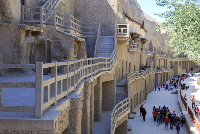 As escadas e a entrada de Mogao cavam em Dunhuang imagem de stock