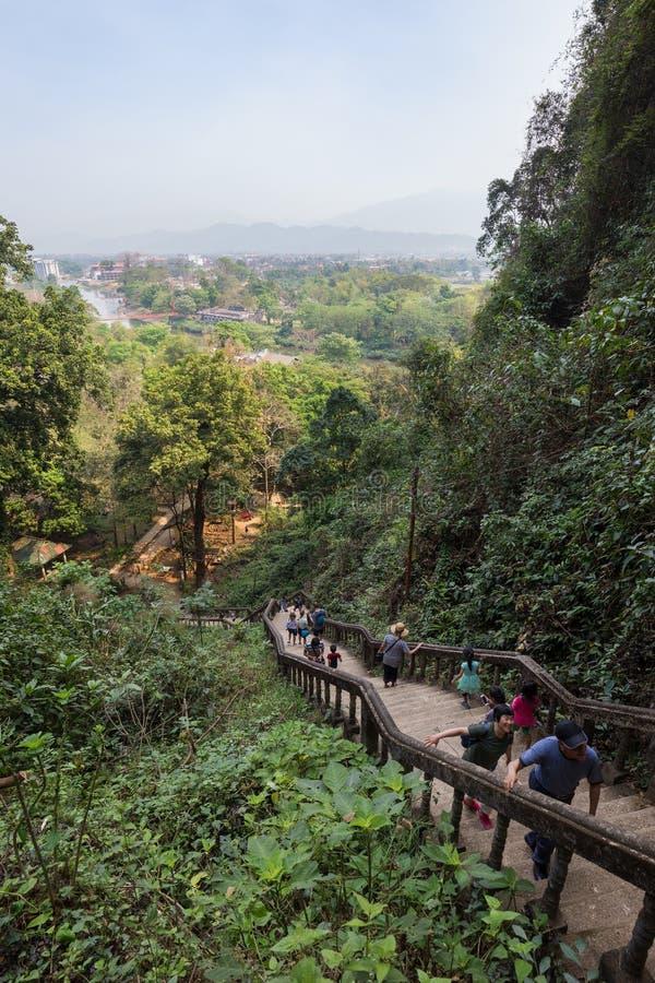 As escadas a Tham Chang cavam em Vang Vieng fotografia de stock royalty free