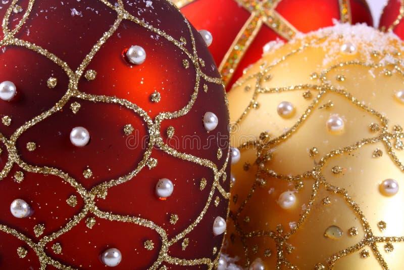 As esferas do Natal fecham-se acima imagens de stock royalty free