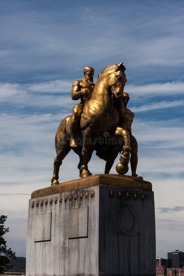 As estratégias militares - estátua da ponte do memorial de Arlington imagens de stock