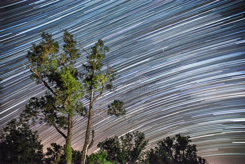 As estrelas listam através das planícies de Kansas em uma noite bonita fotos de stock