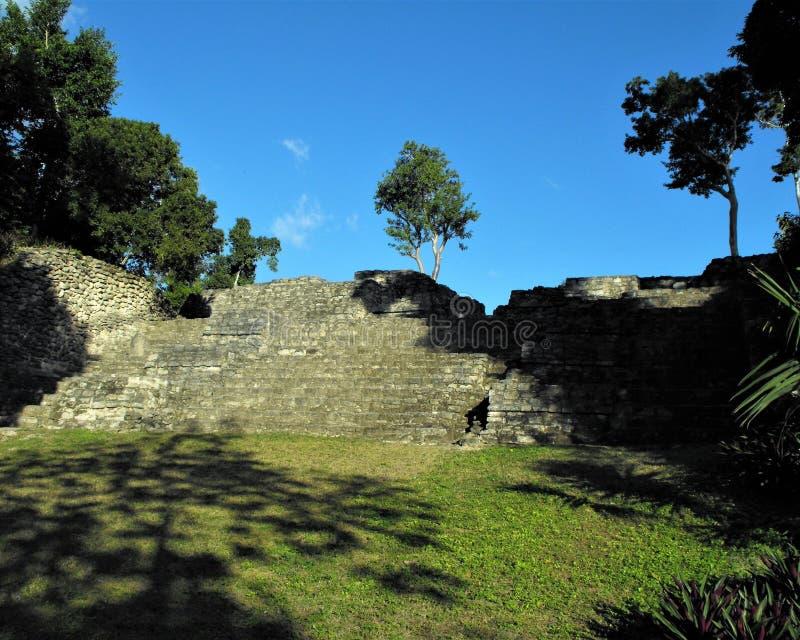 As etapas à plaza da pirâmide grande fotos de stock