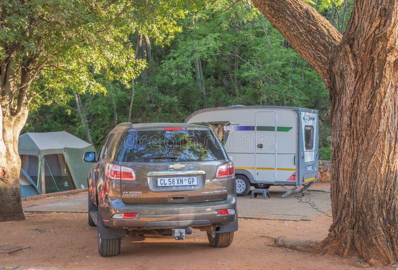 As férias de acampamento familiar são populares na África do Sul fotografia de stock royalty free