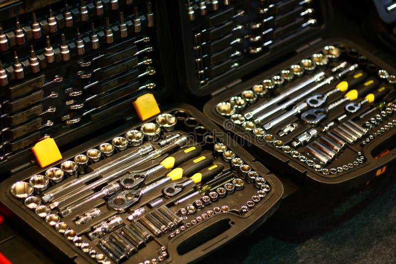 As ferramentas da mão da fabricação organizaram a caixa de armazenamento imagem de stock