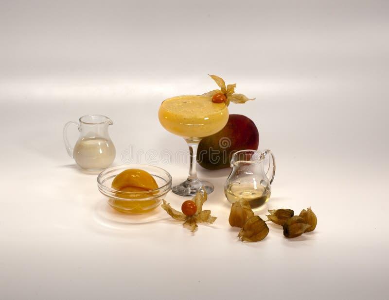 Download Ingredientes Para Cocktail Não Alcoólicos Imagem de Stock - Imagem de vegetais, pêssegos: 29841925