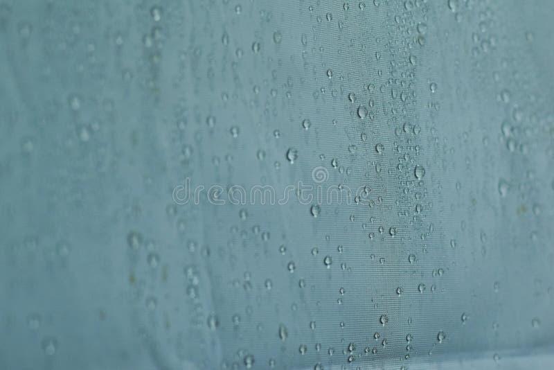 As gotas da ?gua fecham-se acima Fundo branco abstrato dos waterdrops fotos de stock