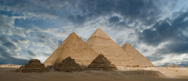 As grandes pirâmides imagem de stock
